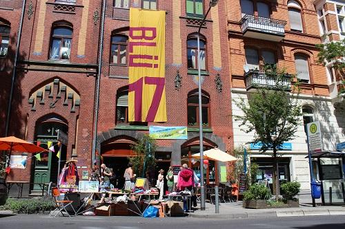 """Mensch Westend / Straßenfest Blücherstraße / Wohngenossenschaft """"Blü 17"""" und Cfaé Anderswo organisieren / Foto: Erdal Aslan"""